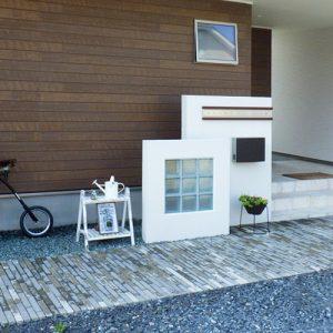 施工事例 新築外構 玄関 表札 門柱
